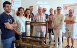 Inauguration de la nouvelle exposition sur l'histoire de l'espadrille. Autour de M. Labadot, maire de Mauléon, les personnes qui ont participé à sa réalisation.